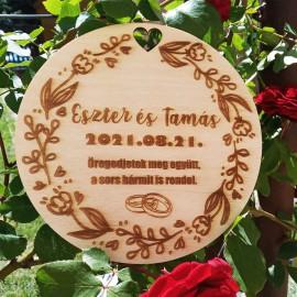 Esküvői ajándék tábla személyre szabott felirattal
